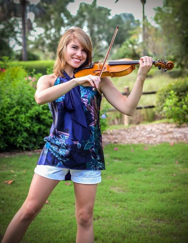 hot Taylor Davis sexy violinist