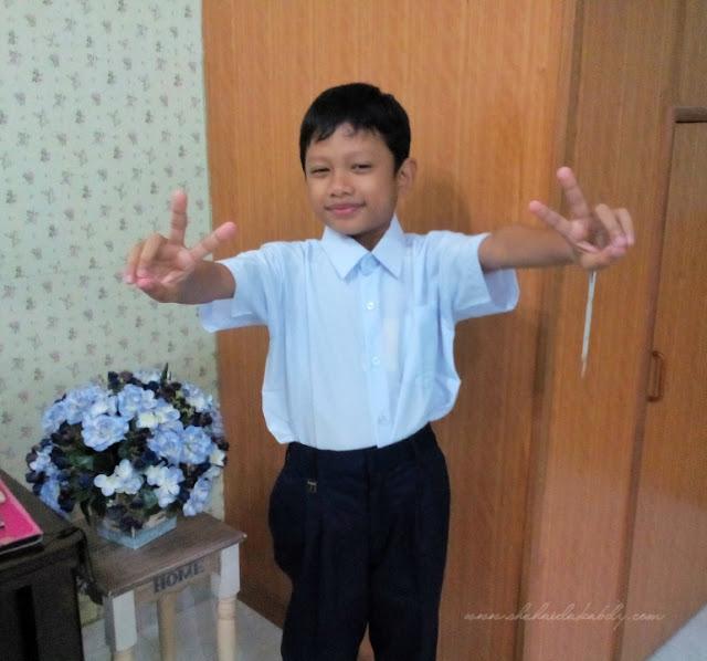 Persiapan Baju Sekolah Anak-Anak Dah Selesai