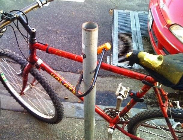 Pronari i kujdesshëm i biçikletës