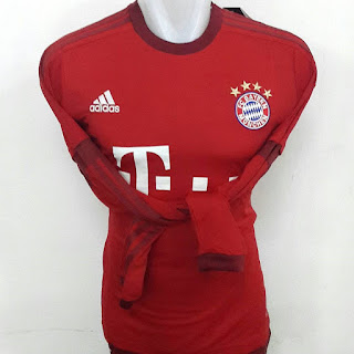 gambar desain terbaru photo kamera Jersey lengan panjang Bayern Munchen home terbaru musim 2015/2016 di enkosa sport toko online jersey bola terpercaya