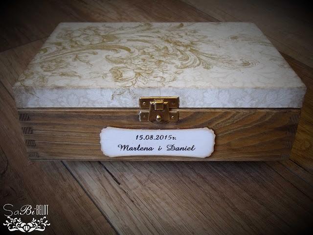 Prezent ślubny: pudełko na ślubne gadżety :)