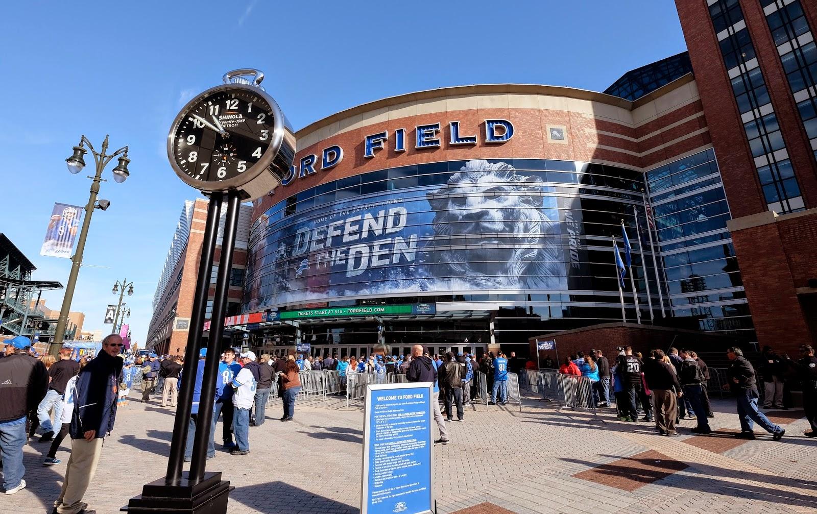 Detroit Lions — Calvin Johnson, Eric Ebron out; Saints' Jimmy Graham active