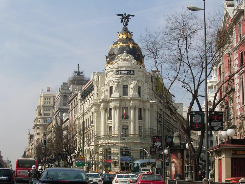 http://4.bp.blogspot.com/-TFJHrb9l-jU/UX86U8R3ZnI/AAAAAAAADFk/R0cv7Ymi7nU/s1600/Madrid+Spain+12.jpg