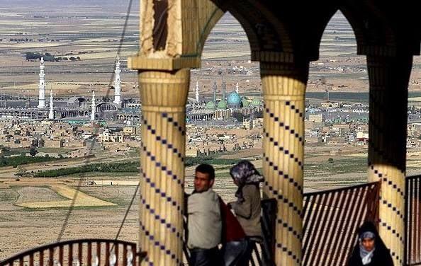 masjid atas gunung di iran yang menakjubkan