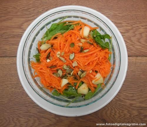 Recetas cocina naturista ensalada de rucula zanahoria - Ensalada de zanahorias ...