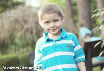 Niño de 4 años se emociona cuando habla del cielo días antes de morir