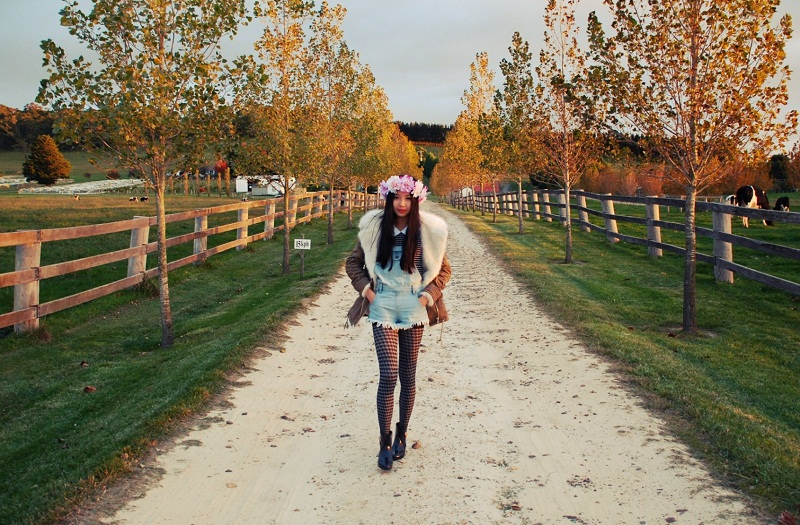 floral crown, etsy, personal style, outfit, mel by melissa, Boohoo, dungarees, gum boots, UNIF, road tripping