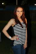 Aksha latest glamorous photos-thumbnail-18