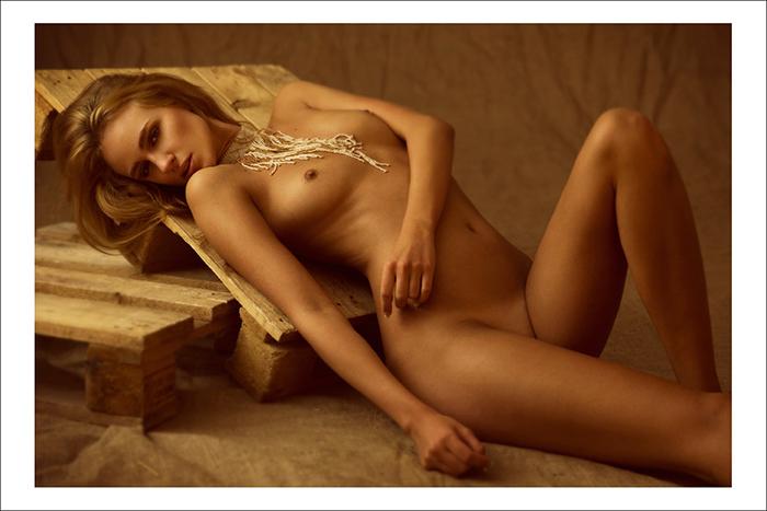 carolina gynning naked