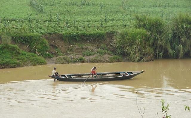 Gambar Transportasi Angkutan Sungai 05