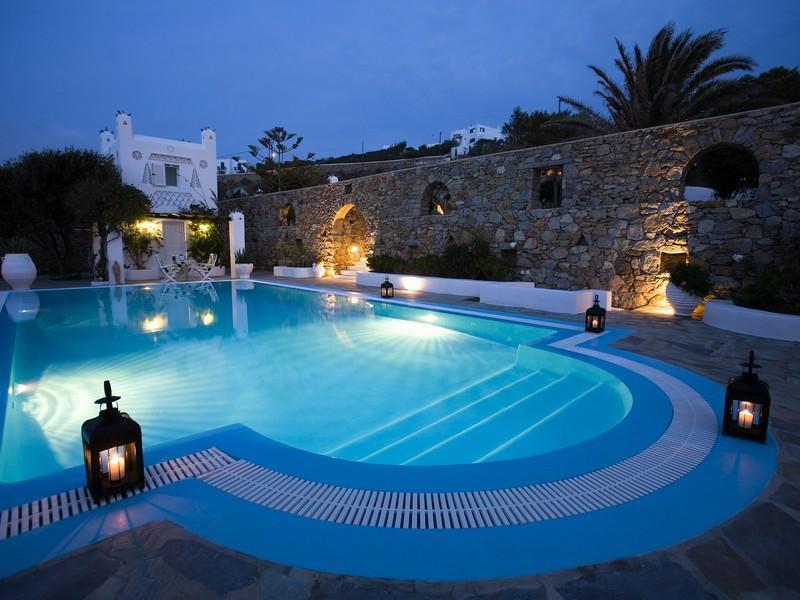 Estilo rustico piscinas rusticas del egeo for Piscinas rusticas fotos