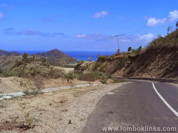 Jalan Setapak menuju Pantai Selong Belanak