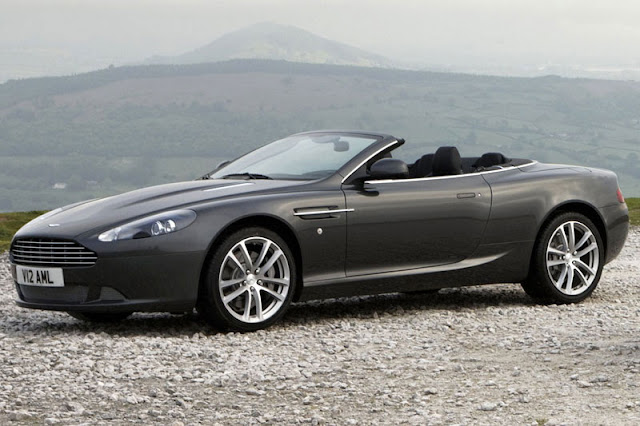 2004-Aston+Martin-DB9+Volante-Wallpaper