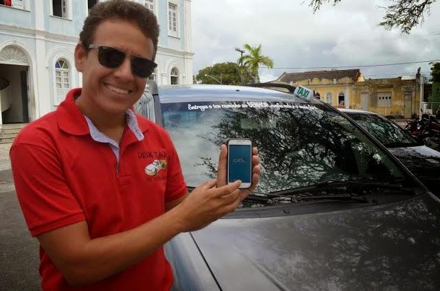 Táxi de Canavieiras tem internet e aceita cartão de crédito.