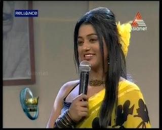 Stars anchor and serial actress Meera Anil latest hot photos in saree