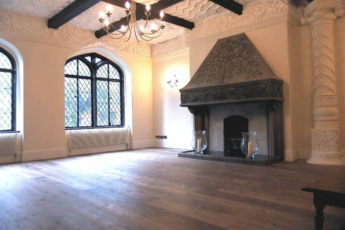 Old world gothic and victorian interior design old for Old world home designs