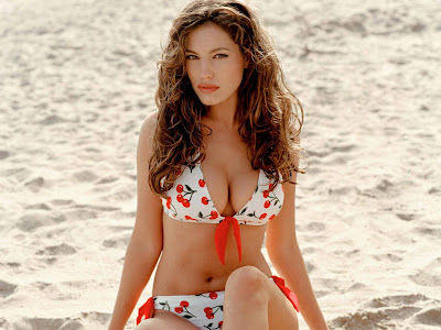 Kelly_brook_bikini_babe_hd_wallpaper