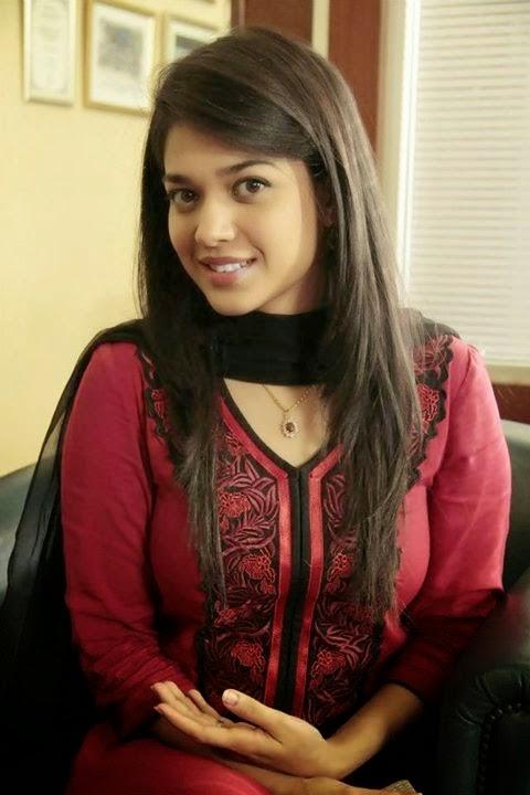 pakistani actress sanam jung hd wallpaper 2015 news movies