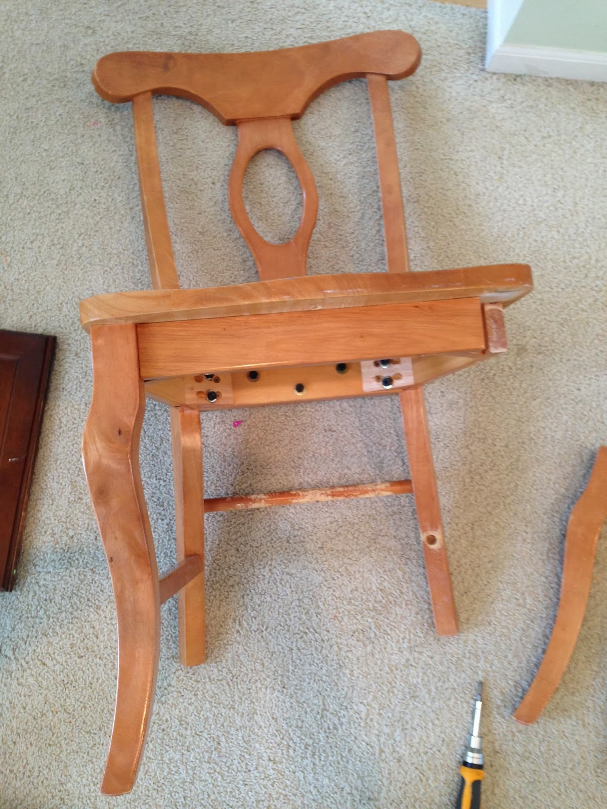 thrifty treasures salvaged chair legs to bench. Black Bedroom Furniture Sets. Home Design Ideas