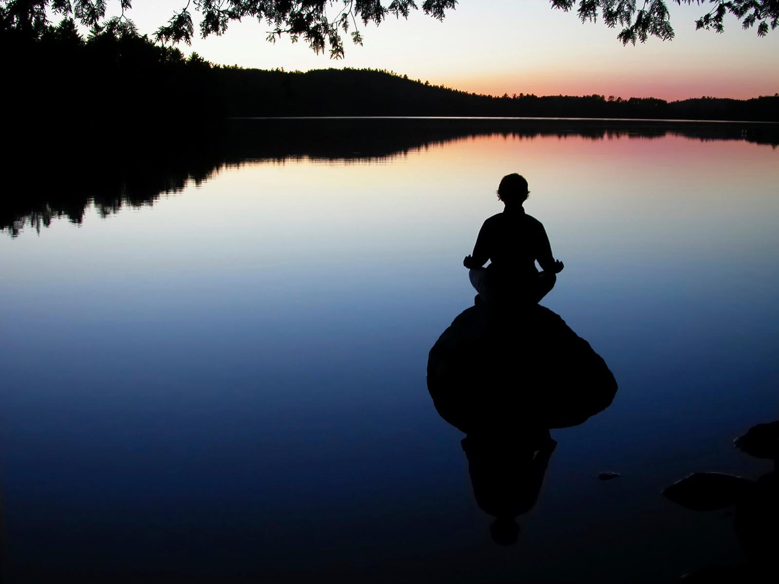 很多人在禪定的時候會打瞌睡,那是因為他沒有修行目標,所以才會昏沈。禪定不是坐著無所事事,胡思亂想,而是要做到身心統一。當身心都靜下來的時候,就會接到一股力量,同時也會從體內產生一股力量,這內外的力量可以幫助你突破身心的障礙。~悟覺妙天禪師