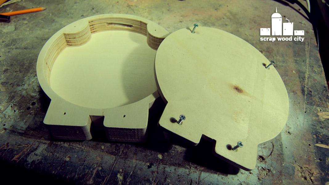 how to make a piggy bank wood