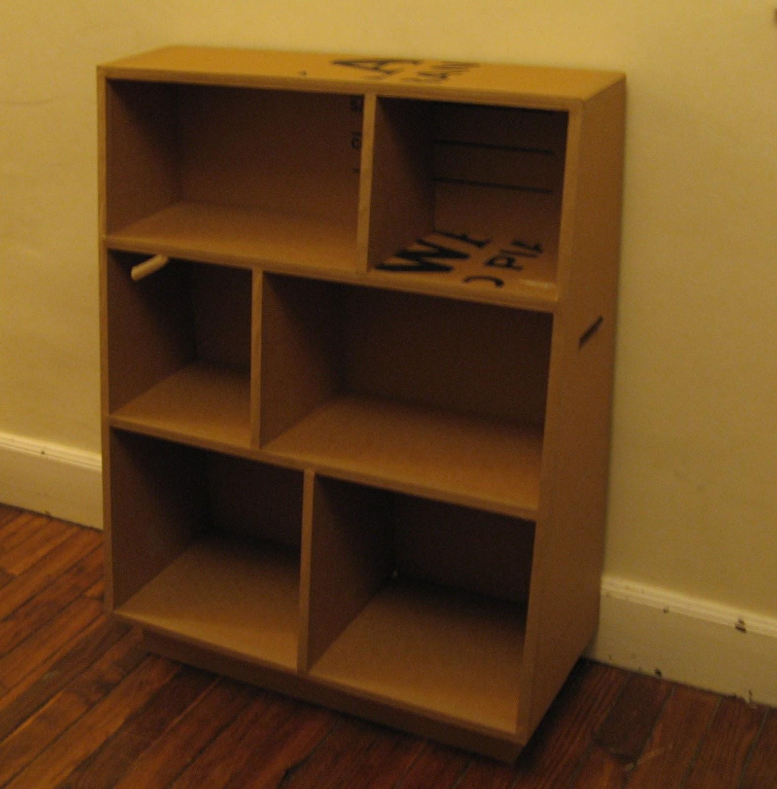 petite biblioth que carton. Black Bedroom Furniture Sets. Home Design Ideas