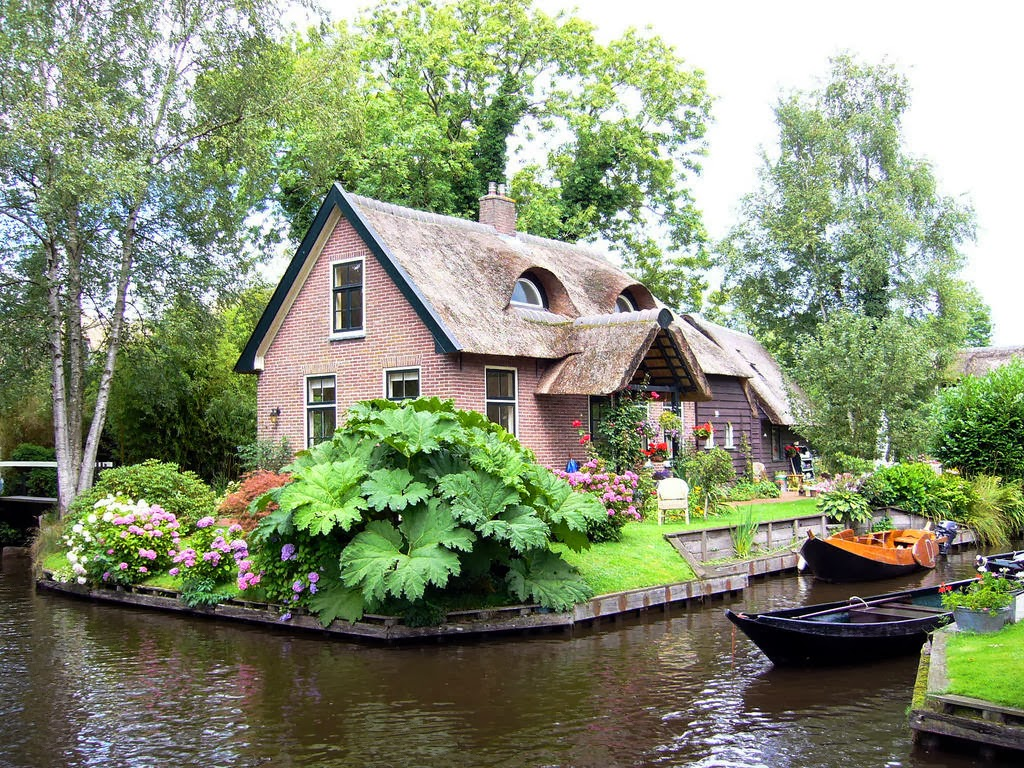Rumah di Desa Giethoorn