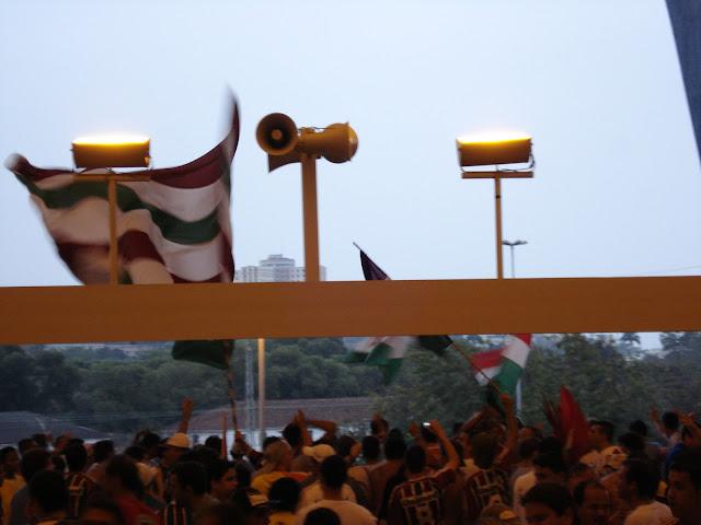 Torcida do Fluminense no Maracanã. Foto de Marcelo Migliaccio