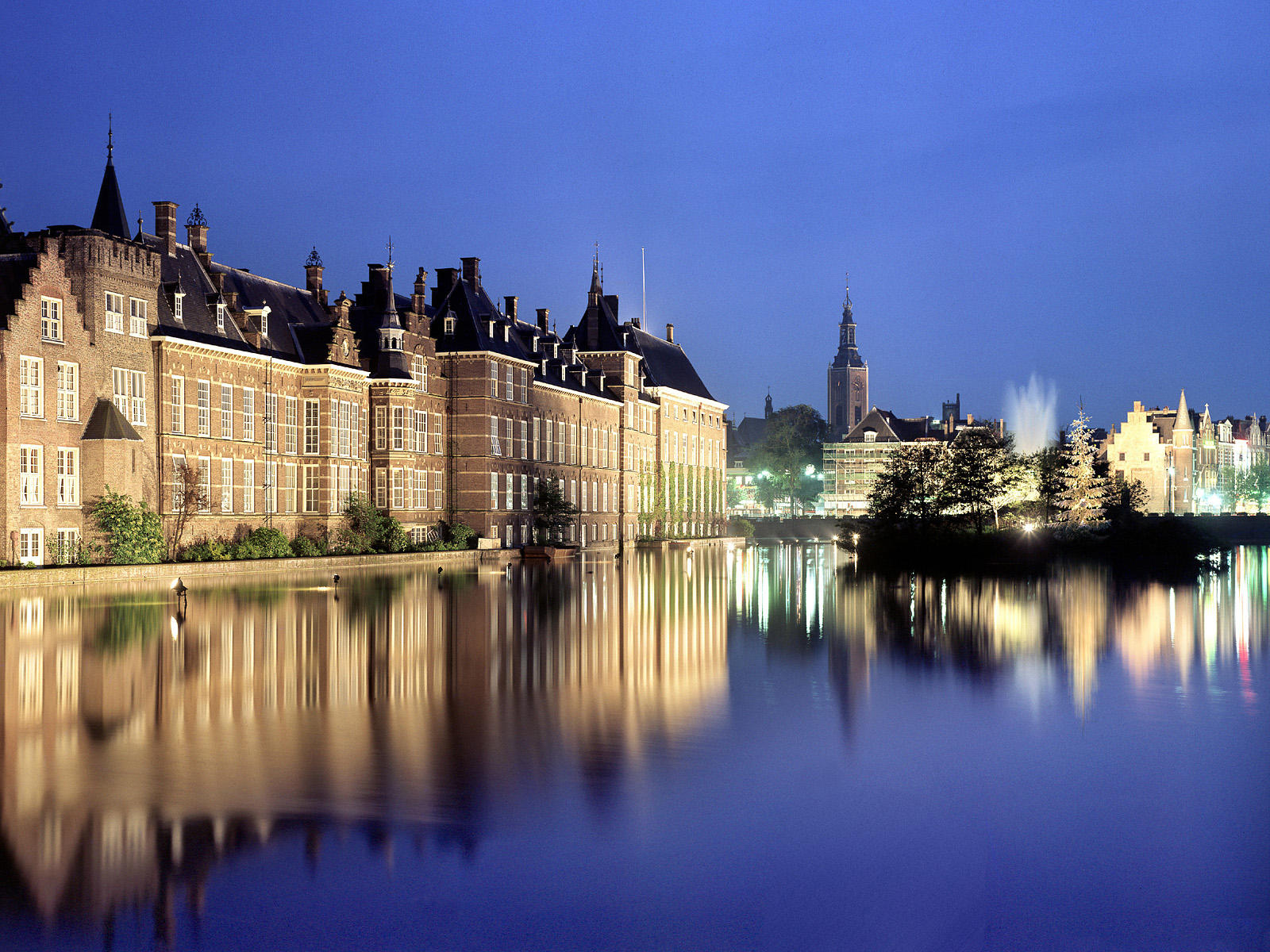 TOP WORLD TRAVEL DESTINATIONS  The Hague, Netherlands