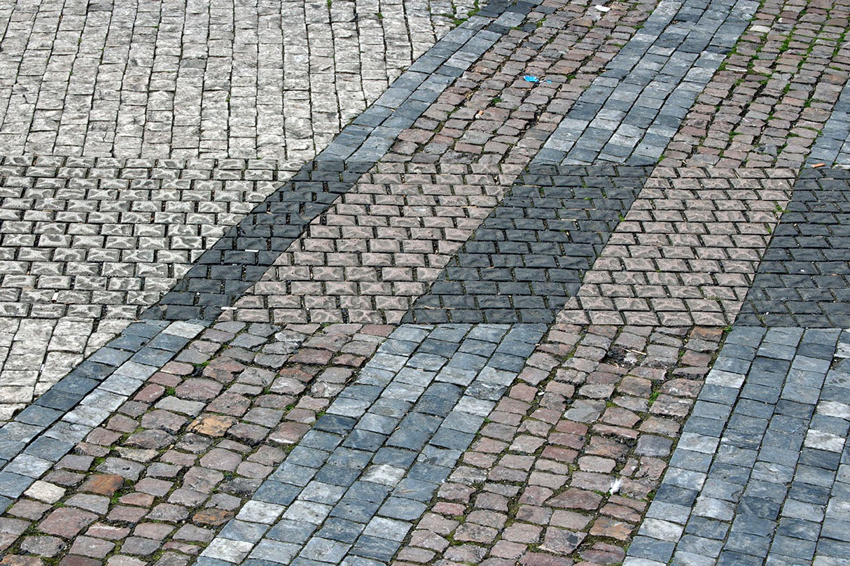 Prague: patterns in the street