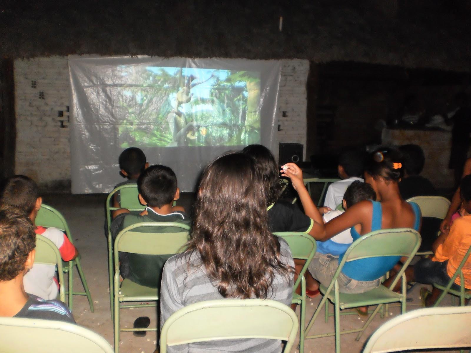 Escolas de s o f lix recebem oficinas de cineclubismo axa for Oficinas de axa