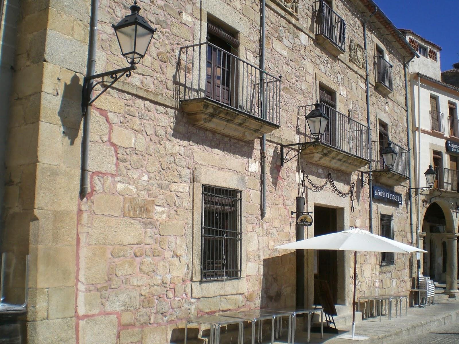 Leyendas de sevilla carmona las casas palacio de la ciudad i - Casa de la cadena ...