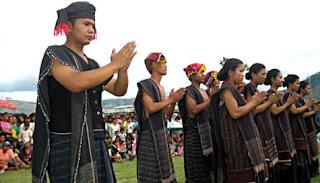 Sejarah Asal Adanya Tari Tor-Tor - Sumatera Utara