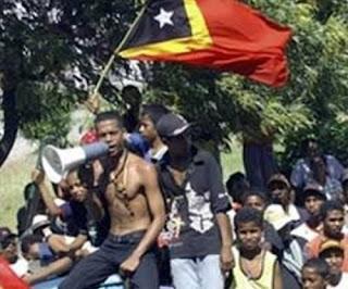 """Timor-Leste: MNE apresenta exposição """"Timor no Mundo"""" e livro de testemunhos"""