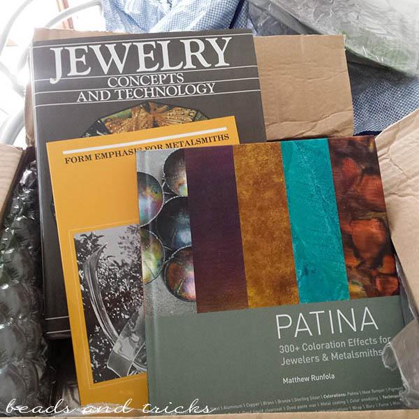 Libri sulla lavorazione del metallo e tecniche di gioielleria