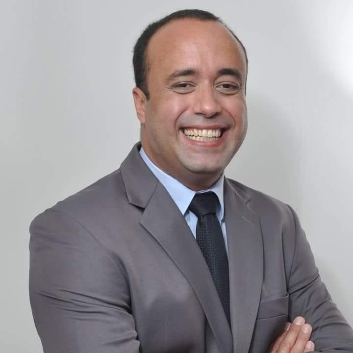 Dr. Fabio Albino