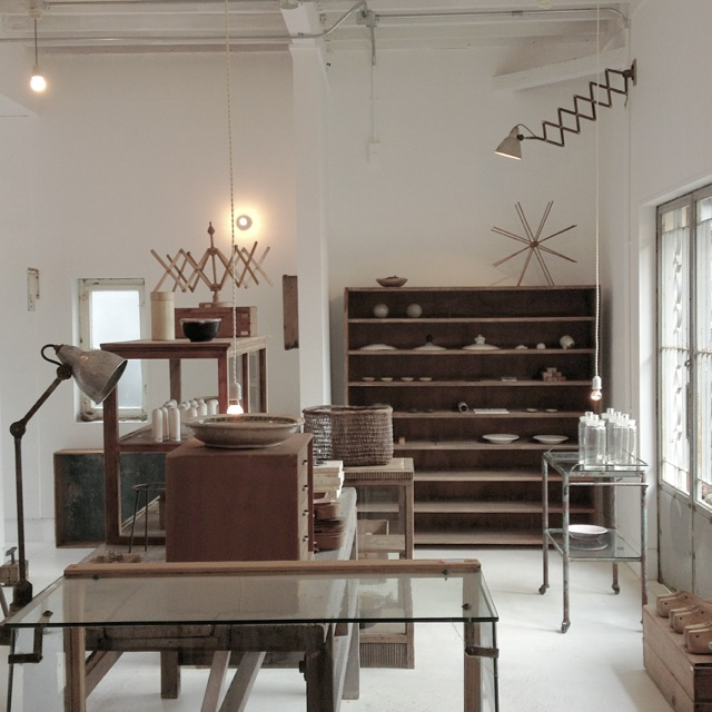 Japon / Coil 4 a beautiful and rustic store /