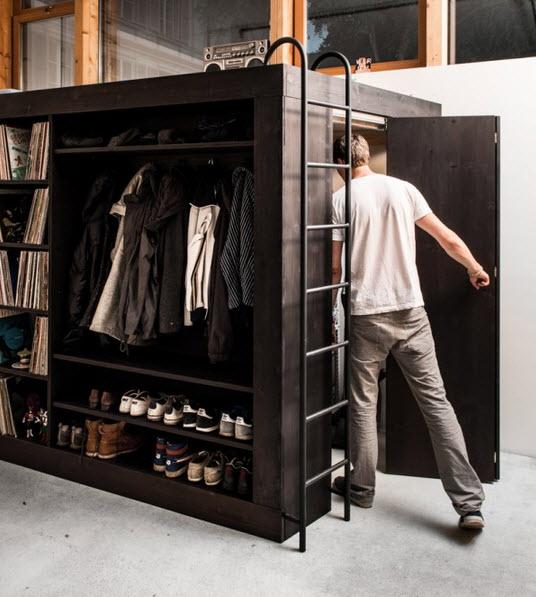 No es mueble modular y tiene cama closet librero y m s for Closet con espacio para tv