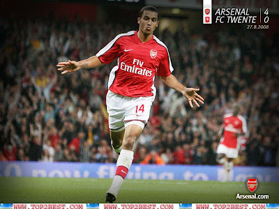 Theo Wallcot wallpapers-Club-Country