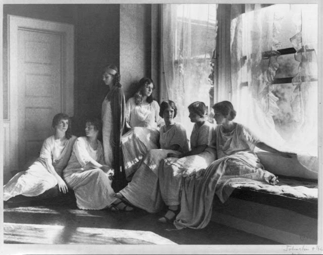 A picture of Isadora Duncan's student's, including Isadorable dancers. Caption card tracings: BI; Dance--Modern; Shelf. Duncan, Isadora, 1878-1927. Frances Benjamin Johnston Collection, Library of Congress.