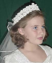 First Holy Communion hairstyle for a little girl