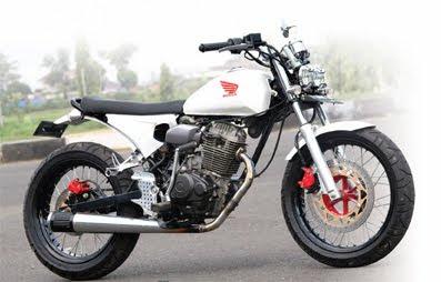 Honda CB 100 Japanese Style Custom Bike.JPG