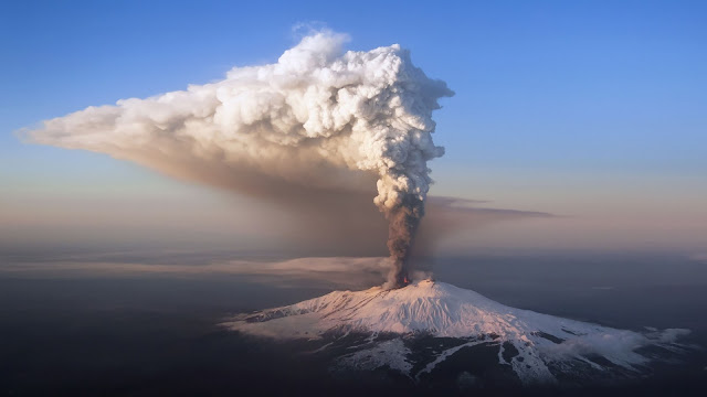 Etna eruption HD Wallpaper