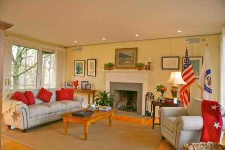 dekorasi ruang keluarga gaya minimalis minimalist