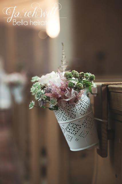 Blumenschmuck Kirche Hochzeit