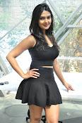 Neha Deshpande at Pochampally Ikat-thumbnail-14