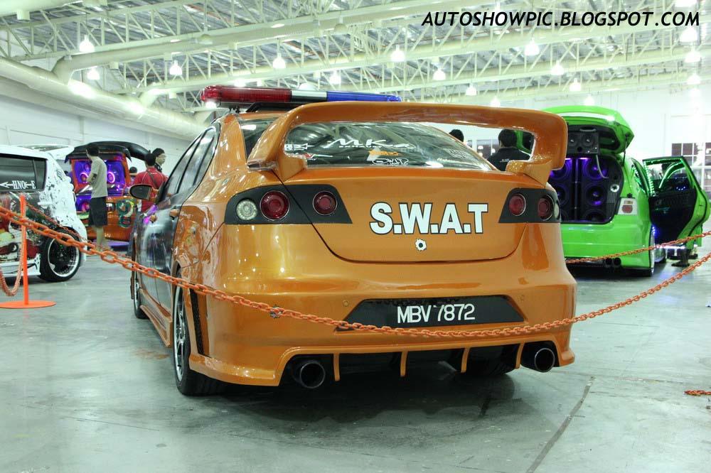 S.W.A.T Persona autoshow