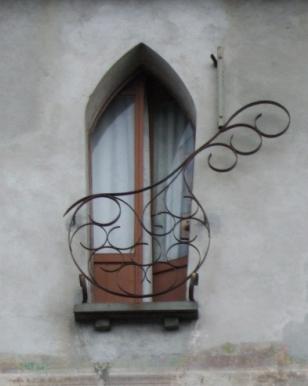 L b architetto una finestra vista lago ed una gita in - La finestra di fronte trama ...