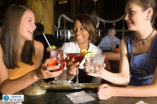 Salir a tomar algo con amigas