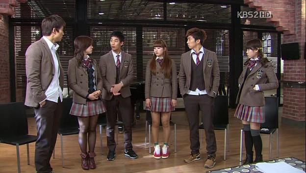 my vision of the perfect school dream high school Dream high tells the story of six students at kirin art high school who work to achieve their dreams of becoming music stars in the korean music industry go hye mi is a student who had majored in classical music but has to give up her dream by entering kirin art high school to pay off her father's.